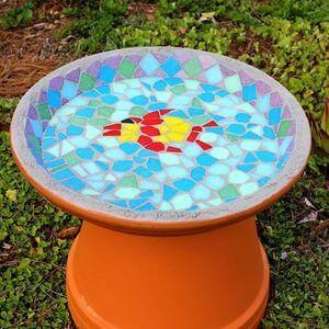 100 Bird Bath Ideas - Golly Gee Gardening #birdbaths #gardeninspiration #gardenideas